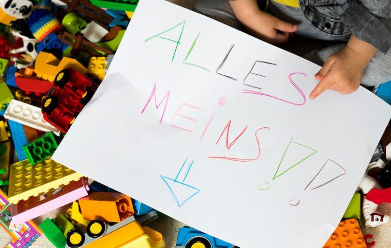 """""""Meins!"""" -""""Nein, MEINS!"""". Warum Streit unter Kleinkindern normal ist. Interview."""